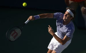 Federer, Murray move on at Indian Wells