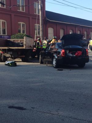 Second Avenue back open after 3-vehicle wreck, no serious injuries