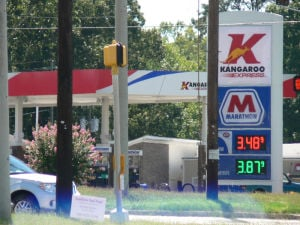 Rome gasoline prices hover around state average