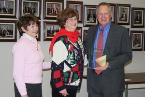 Shaw receives 'Lifetime Service' award