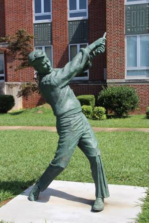 <p>The golf club once held by the statue of Doug Sanders at the Cedartown Sports Walk of Fame is missing.</p>