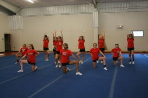 Cedartown cheerleaders set goal for state