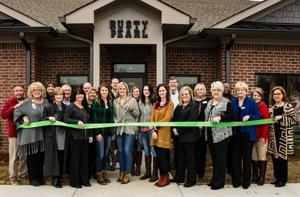 Rusty Pearl Boutique holds grand opening ceremony