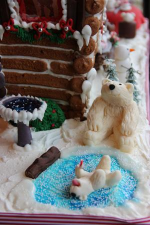Bakery offers gingerbread house classes, celebrates with log cabin, animal fun