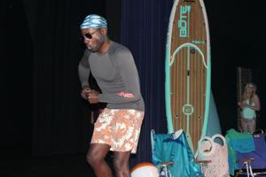 Runway show offers fashion, DeSoto fundraising