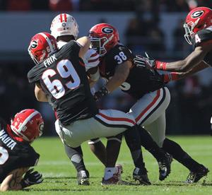 College Football: Frix gets first career tackle; Pair of freshmen earn honors