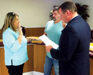 Cedar Bluff swears in new Mayor