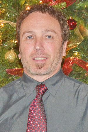 Morning Pointe honors Outstanding 2016 Associate Bruce Harkins