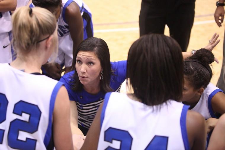 Girls Basketball: Model v. Cartersville