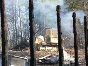 Wind fuels brush fires in unincorporated Floyd County