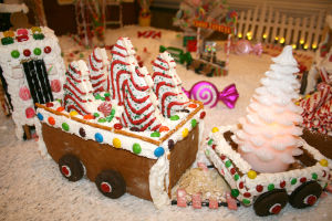 A sweet holiday treat: Mary Wilbanks creates a candy-covered wonderland scene  at the Renaissance Marquis