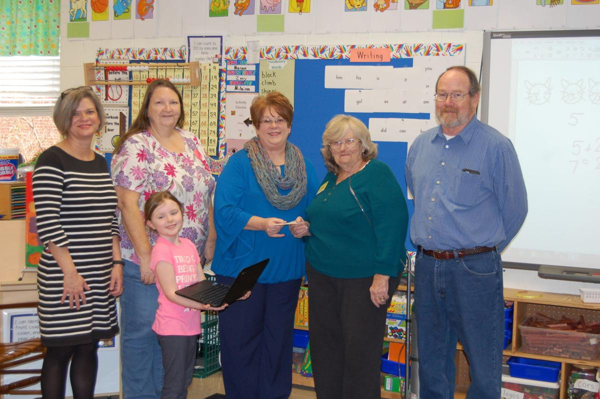 Community group donates a Chromebook to Glenwood Primary class