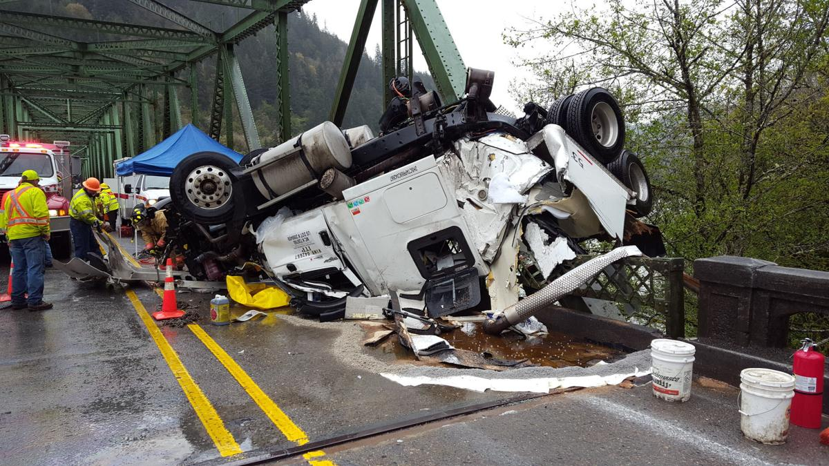 Scottsburg Bridge crash close