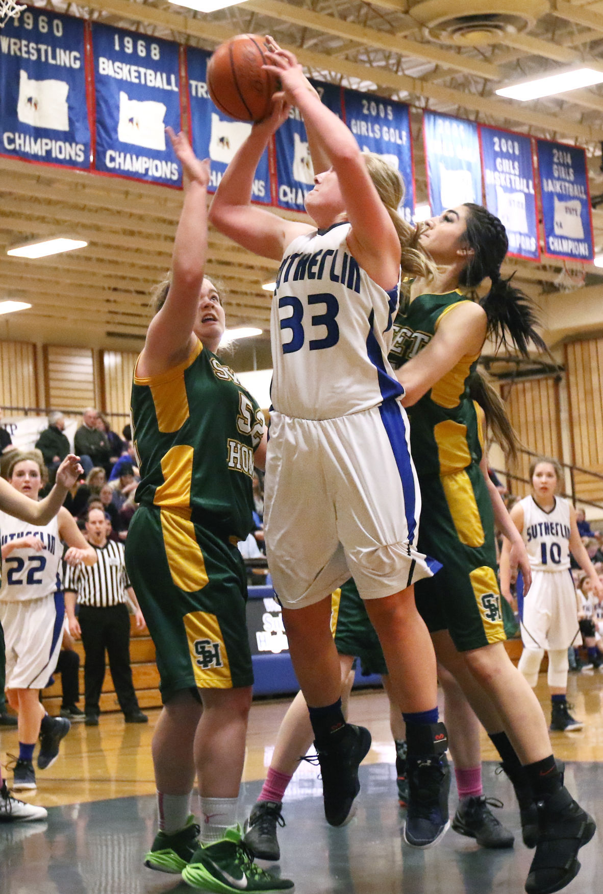 sutherlin girls Sutherlin, ore -- a girls basketball coach in sutherlin is getting national  attention as a finalist for us cellular's national coach program.