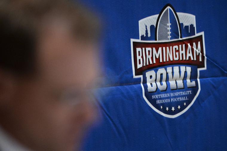 Auburn players enjoy Birmingham Bowl gift suite - OANow ...