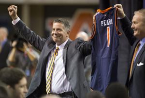 Bruce Pearl Press Conference 105