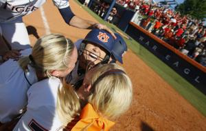 AU PHOTOS: Auburn Softball Super Regional game 1