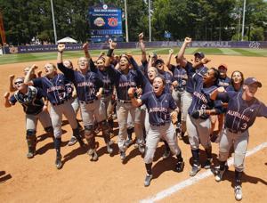 AU PHOTOS: Auburn Softball wins game 2