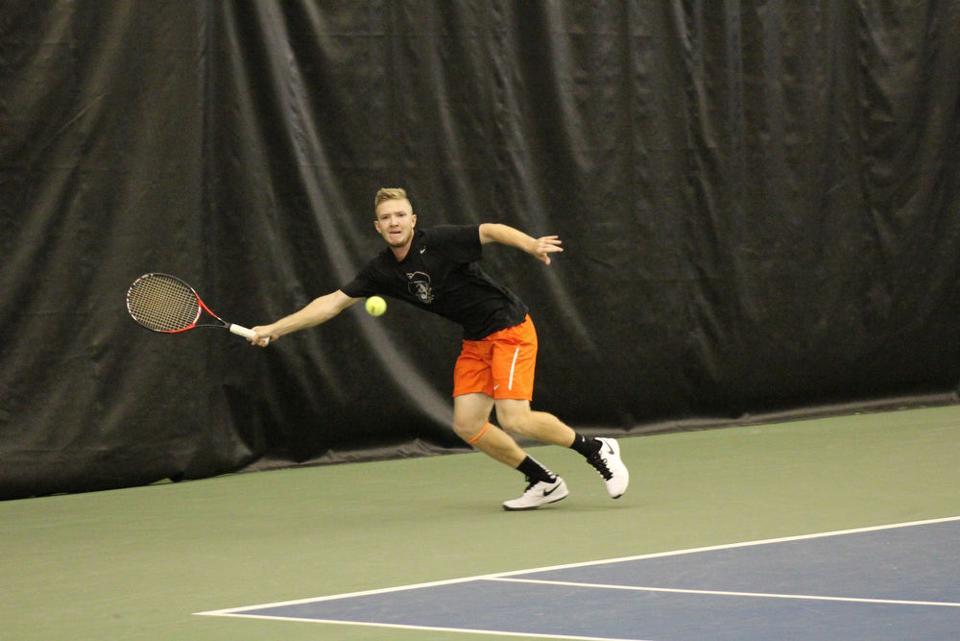 Photos: Men's tennis defeat UNLV 7-0 - ocolly.com : Gallery