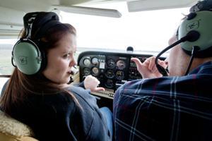Novice high school students take flight ... in the pilot's seat