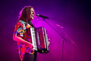 'Weird Al' Yankovic brings the laughs, polka to Omaha performance