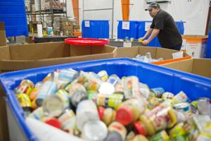 Food Bank for the Heartland struggling to stay stocked