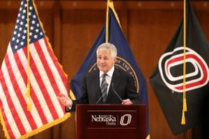 Chuck Hagel gets warm welcome at UNO, supports Obama's call for nuke reduction
