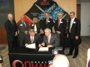 Heineman, Branstad eager for teamwork in building Omaha-Bluffs regional economy