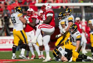 Husker defensive lineman Valentine getting technical