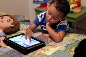 Group questions educational benefits of apps for toddlers
