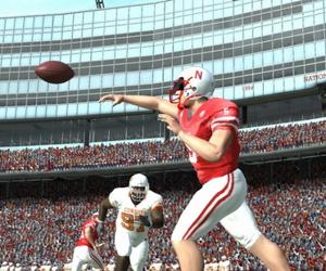 EA Sports settles athlete likeness cases, won't make NCAA Football game next year