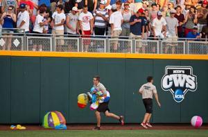 Hansen: Bored boys of summer put beach balls in play