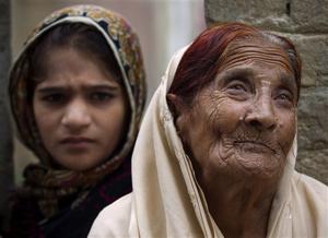 India-Pakistan border fights disrupt village life