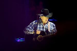 Concert review: George Strait wows record-breaking crowd