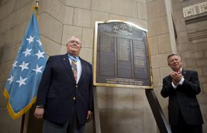 Plaque honoring Nebraska's Medal of Honor recipients unveiled at Capitol