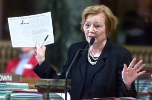 Former State Sen. Jennie Robak of Columbus dies in traffic accident