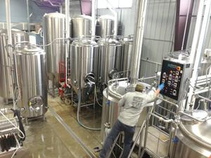 Business hopping at year-old West Okoboji brewery