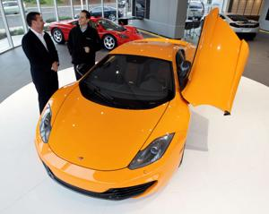 Experts say lengthy loan for pricey car a bad choice