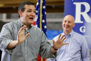 Ted Cruz fires up Omaha rally for governor hopeful Pete Ricketts