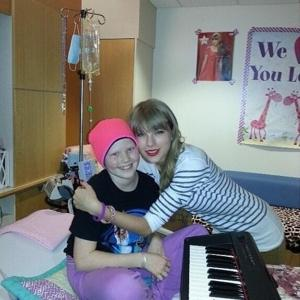 Taylor Swift visits Children's Hospital & Medical Center