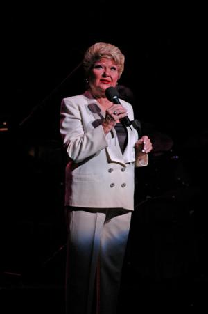 Marilyn Maye takes on the classics with the Symphony