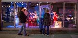 Midtown Crossing plans more holiday window displays