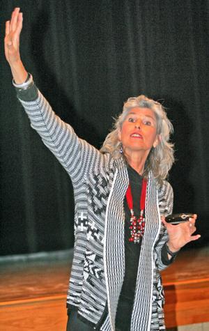 Donahue makes visit to Gretna schools
