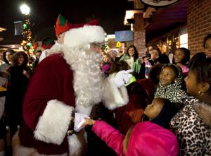 Where's Santa? Here's his holiday mall schedule