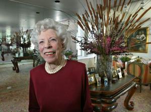Late Mary Riepma Ross donates $7.7 million for namesake arts center