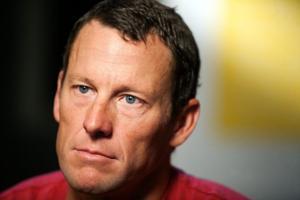 Nebraska insurance company sues Lance Armstrong