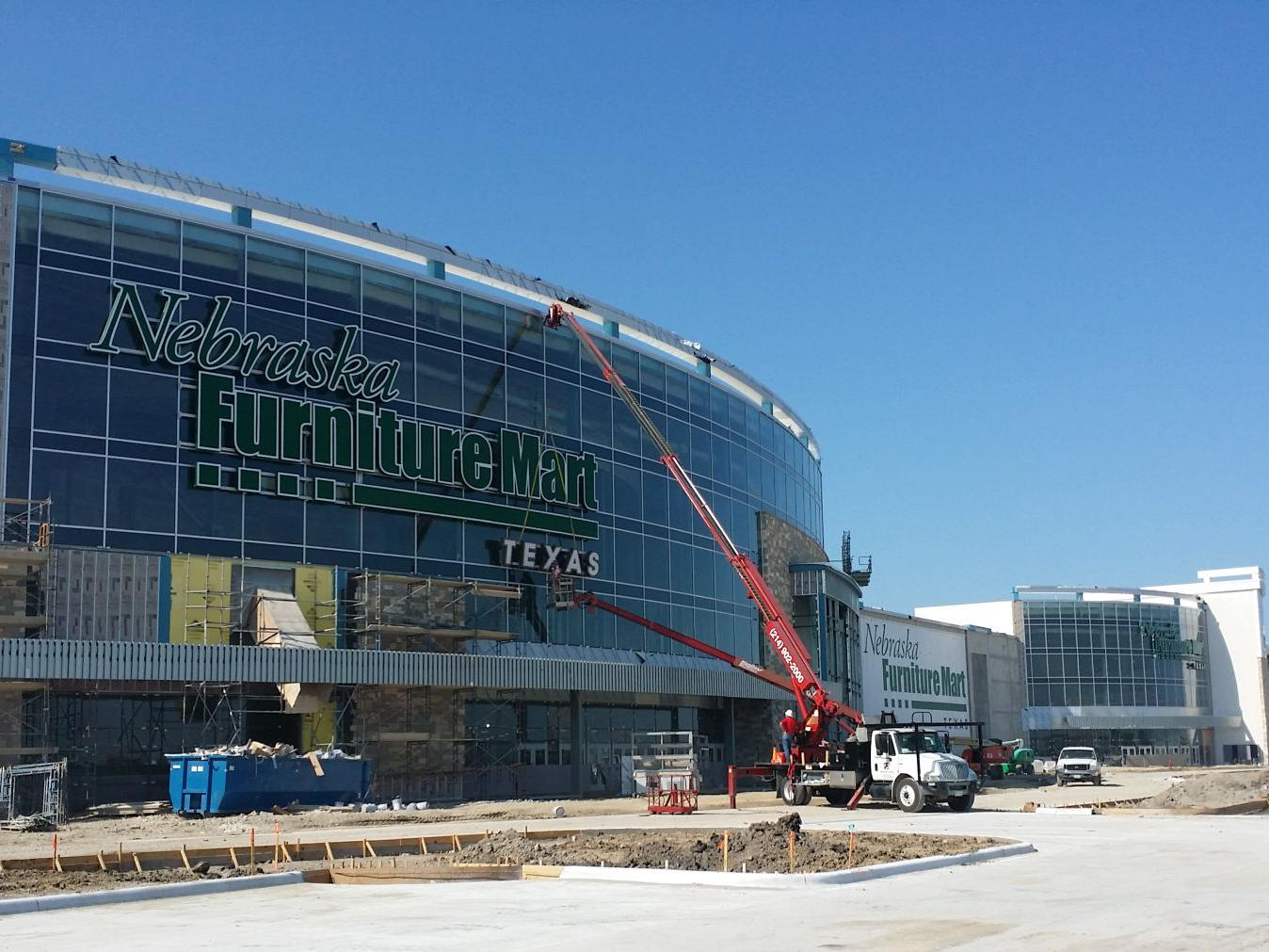 Nebraska Furniture Mart on hiring spree as Texas store s