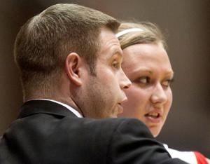 UNO women's basketball coach Chance Lindley steps down