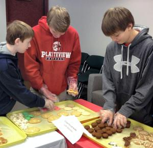 Friends of Library hosts festive cookie fundraiser