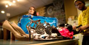 Hansen: Omaha's best bargain shopper and the 100th pair of $1 shoes
